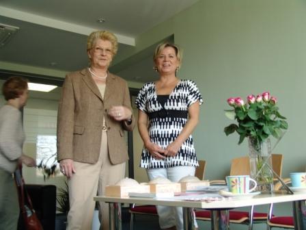 Eröffnung der Stationären Einheit des Mammographie Screening Programms Sachsen-Anhalt-Nord in Stendal am 7.1.2008 - Ansprechpartner der Klinikgruppe Stendal Frauen nach Krebs - Frau Köppen und Frau Lühr